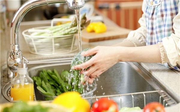 Nước có độ pH 11.5 thường được sử dụng để rửa thực phẩm trước khi chế biến